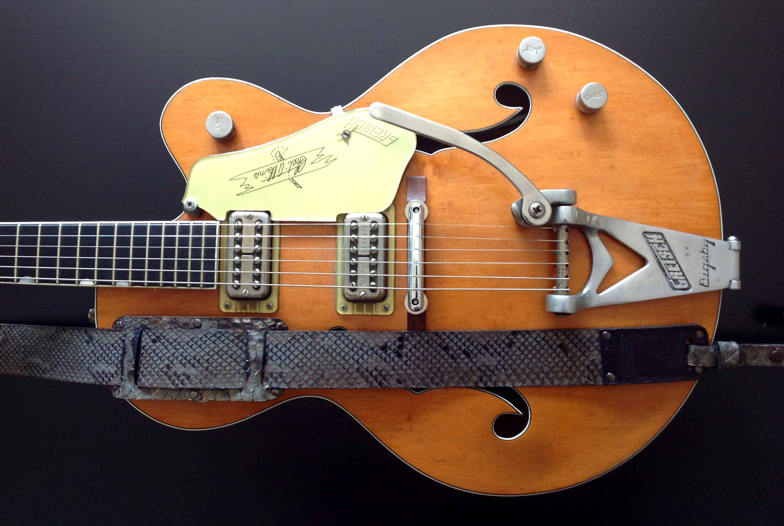 r b leathers usa genuine python snake skin guitar strap 1 vintage modern guitars. Black Bedroom Furniture Sets. Home Design Ideas