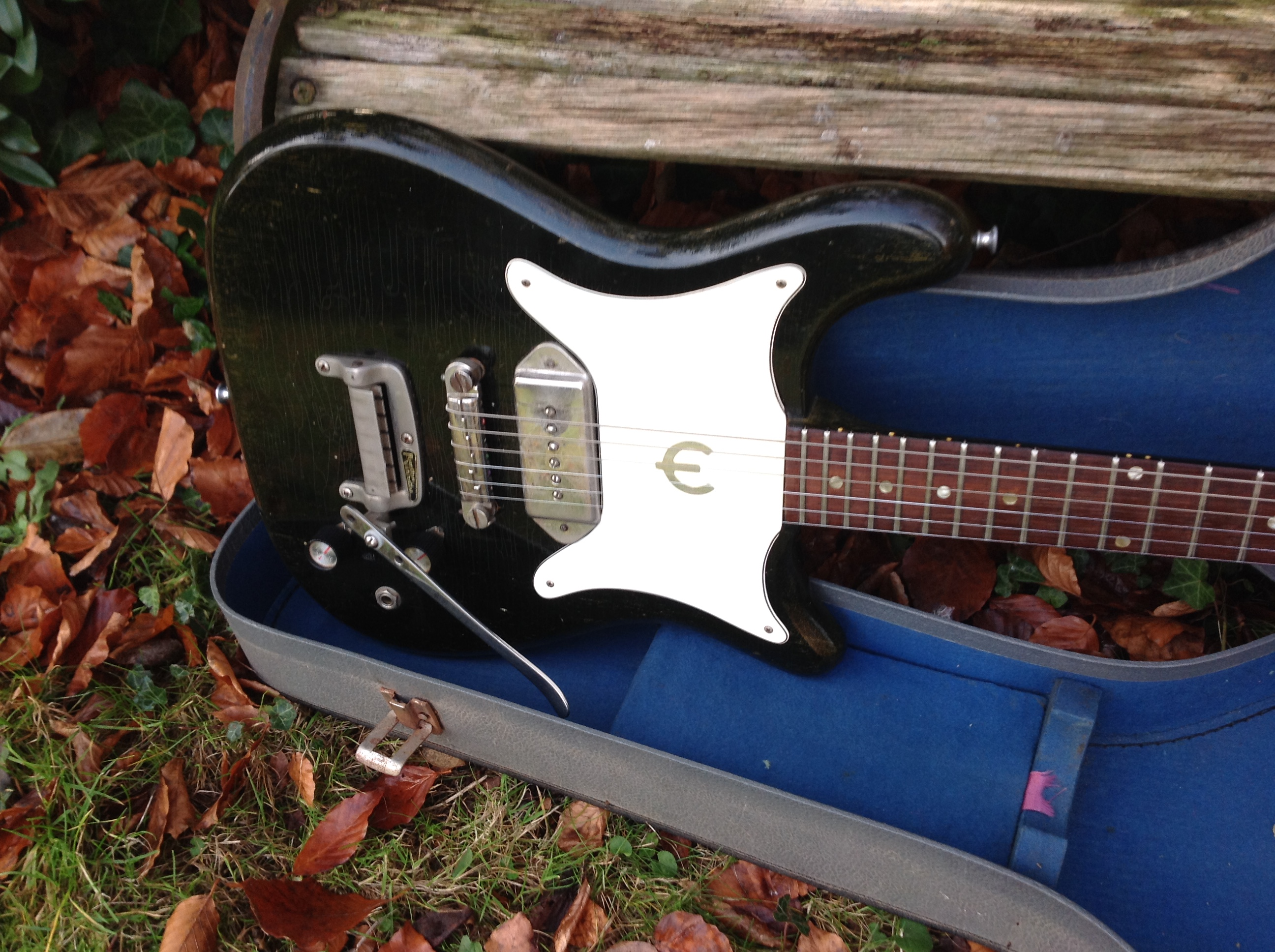 sf2 - Vintage & Modern Guitars