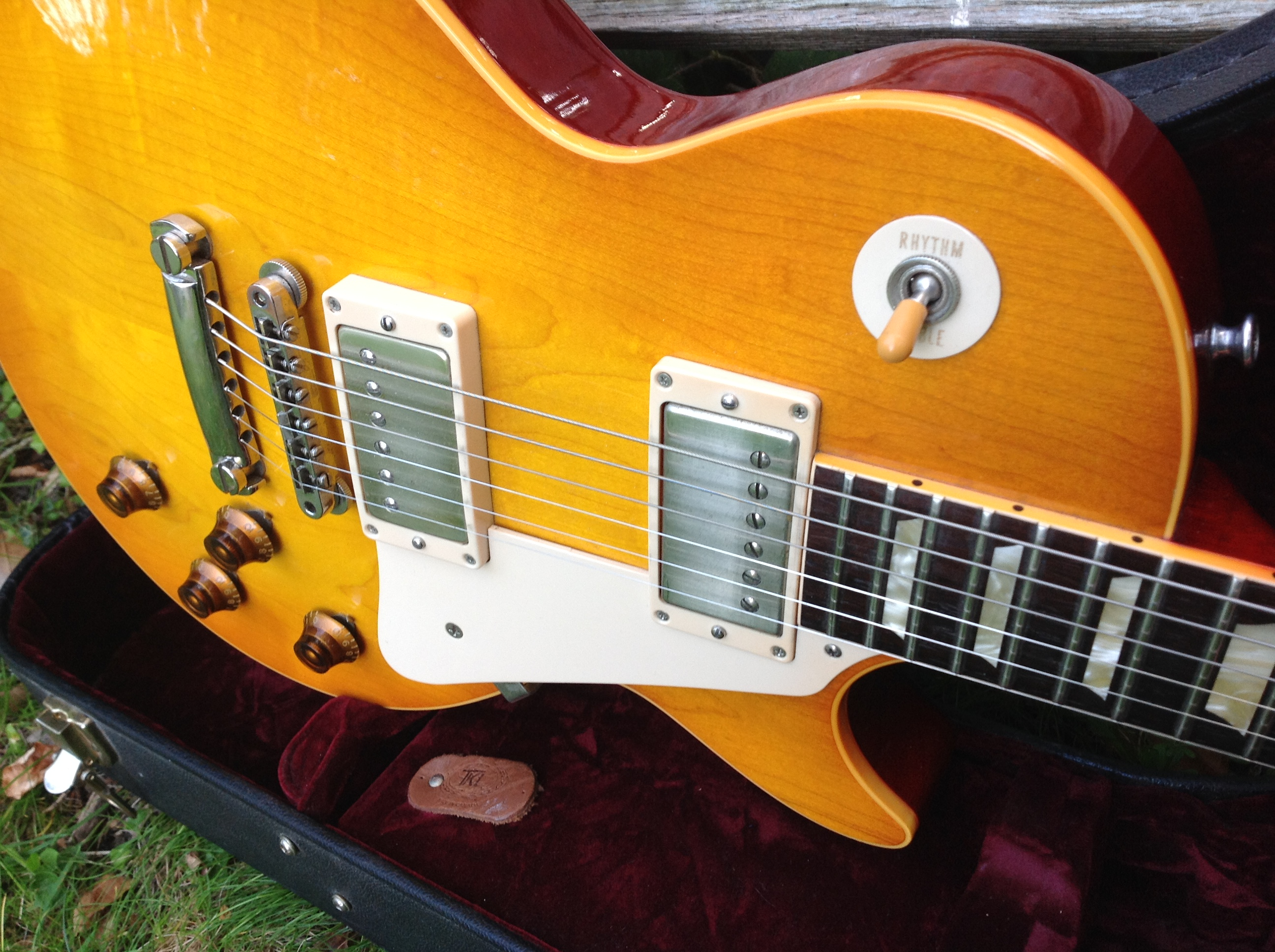 2004 gibson guitar centre go 1960 les paul reissue vintage modern guitars. Black Bedroom Furniture Sets. Home Design Ideas